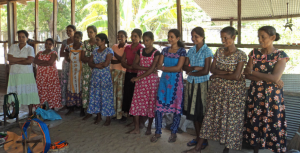 A group of participants for one of the workshops offered by the 'weaving for independence'-project